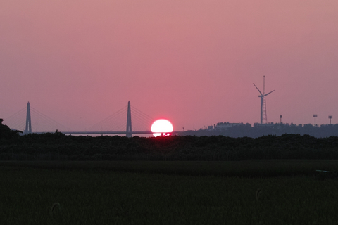 sunset08042012dp2m-trim.jpg